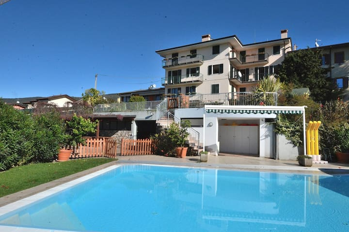 Apartment Montegolo Four With Pool And Lake View