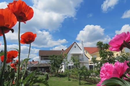 Spira House 80qm für bis zu 4 Gäste