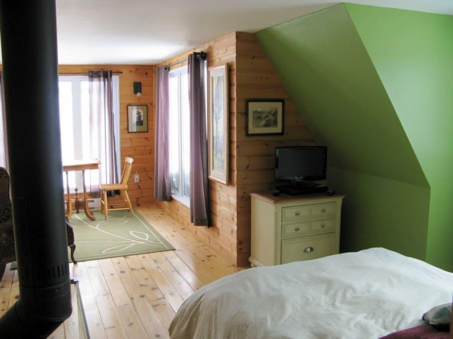 Chez claude petite suite chambres d 39 h tes louer for Chambre hote canada