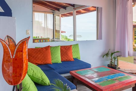 OCEAN VIEW PENTHOUSE SUITE! Fresh Tropical Vibe!