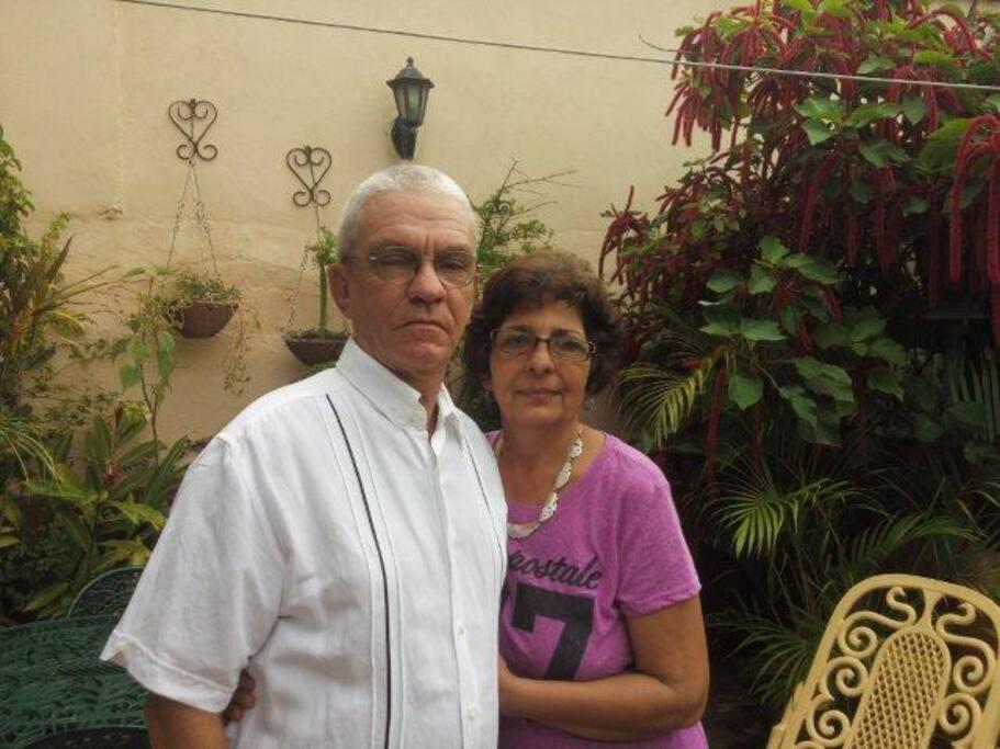 Anfitriones Alberto y Otmara