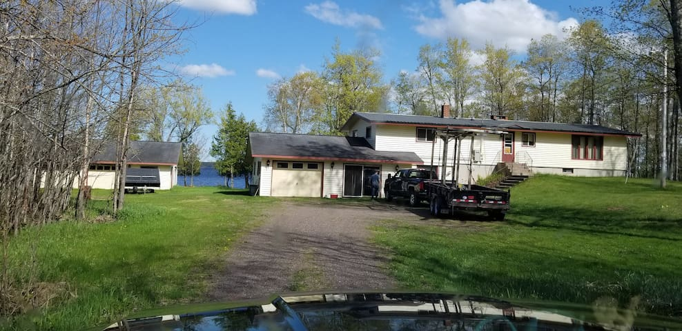 Papa's Place: on the West Shore of Lake Gogebic