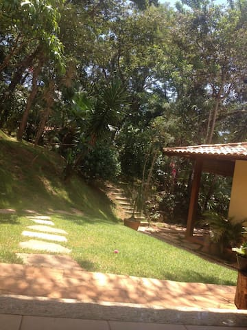 Chalé Privativo próximo ao Inhotin, Brumadinho - Brumadinho - Guesthouse