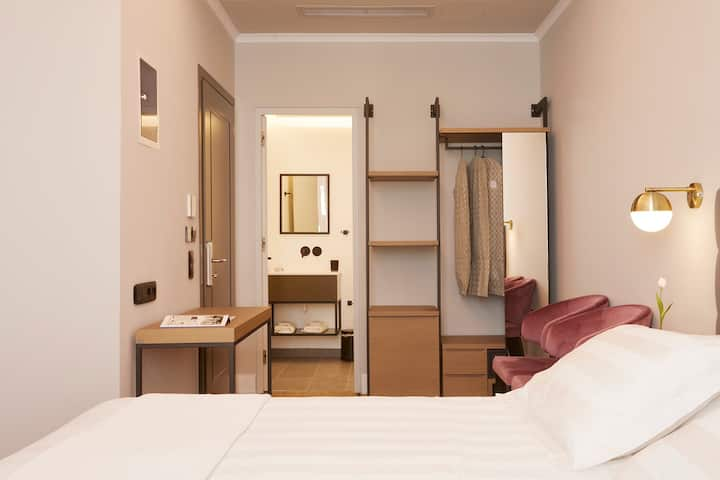 Artistic Classic Double Room