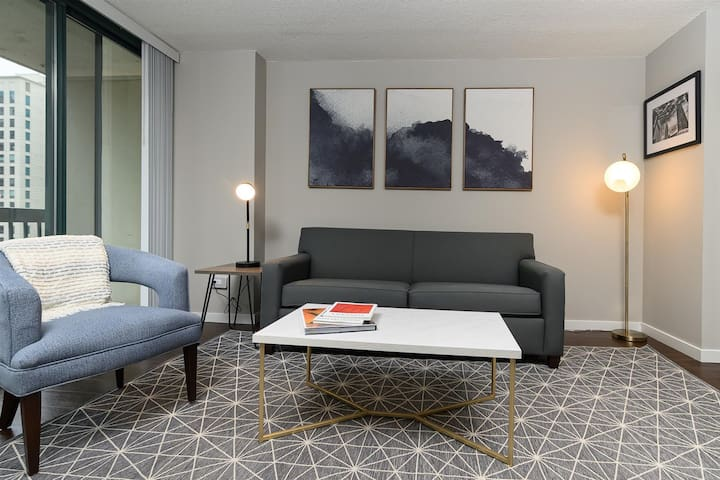 Kasa Chicago River North Apartments | One Bedroom