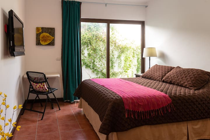 Casa Panivino Antigua, private charming suite