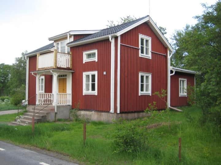 """Ekeberghuset"" i Kosta mitt i Småland"