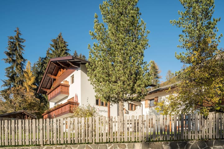 """Cosy Apartment """"Ferienwohnung Toni Seis"""" close to Seiser Alm with Mountain View, Wi-Fi & Garden; Parking Available, Pets Allowed"""