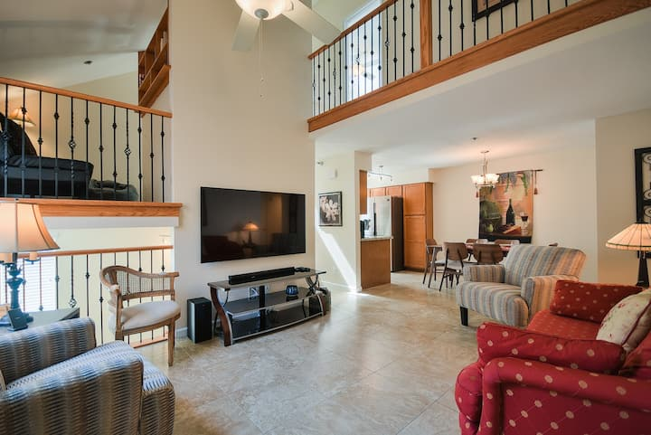 Townhome in the Heart of Tempe's Mill Ave - ASU