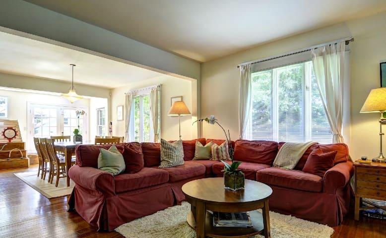 Living Room, Quality Sofa