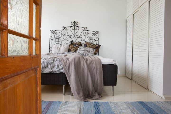 King size bed can be separated into two individual beds.