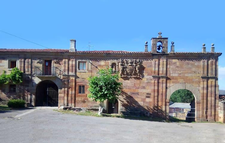 Palacio de la Corralada. Reformado y único.