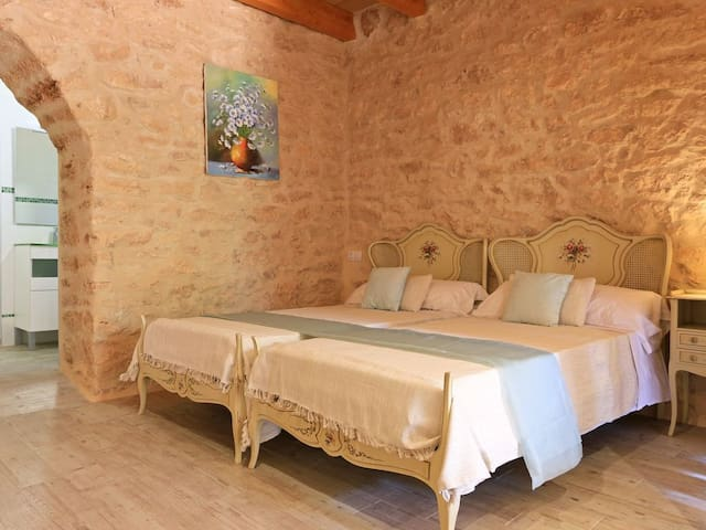 Bedroom at the 2n space / Dormitorio del 2º espacio