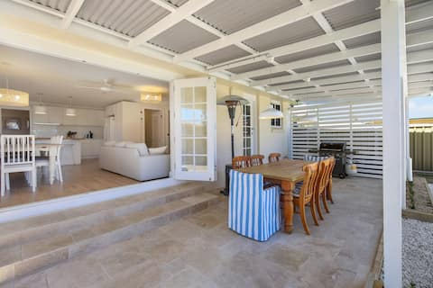 Orange Lodge - Large, beautiful central home