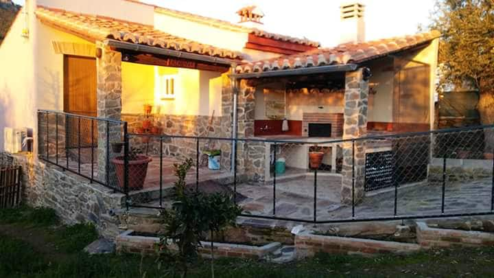 Studio in Valencia de Alcántara, with wonderful mountain view and enclosed garden