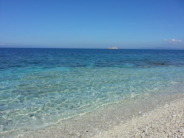 New two-room apartament near the sea-Isola d'Elba
