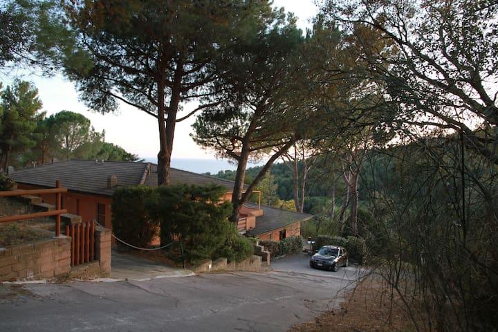 Casa indipendente con vista e spazio esterno