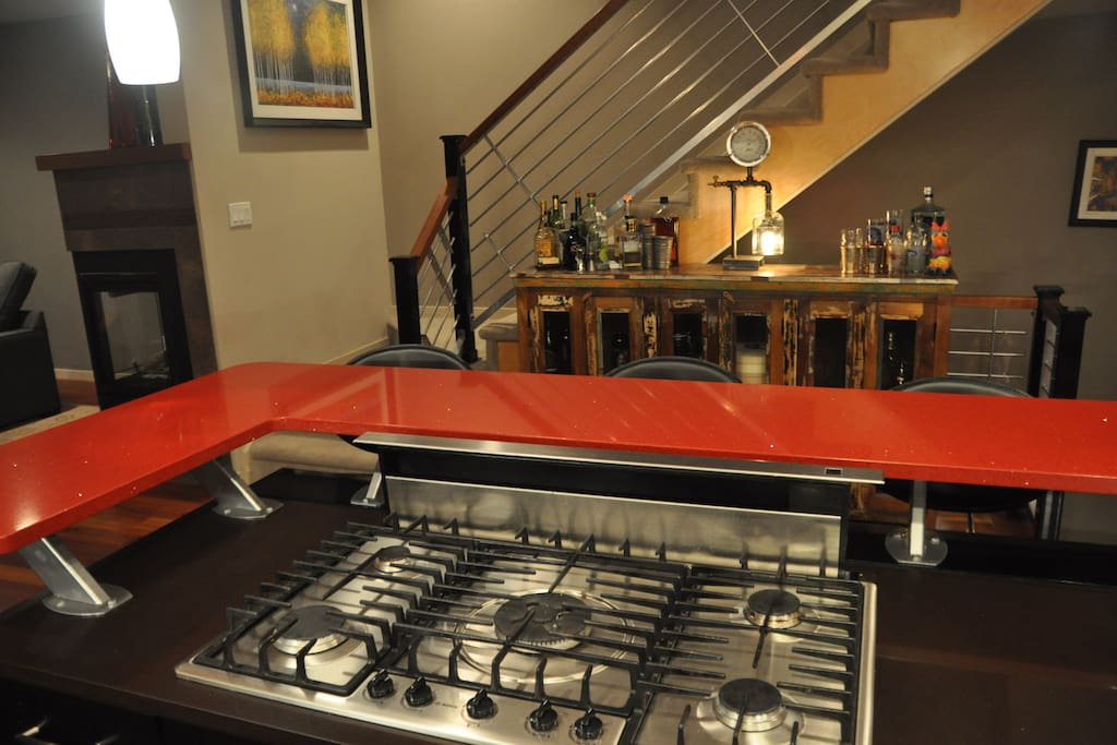 5 burner gas stove with exhaust fan that raises from countertop