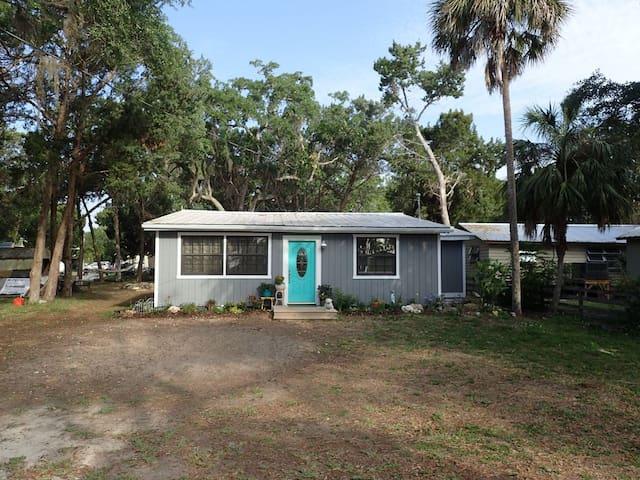 Ole Florida  Blue Crab Cottage