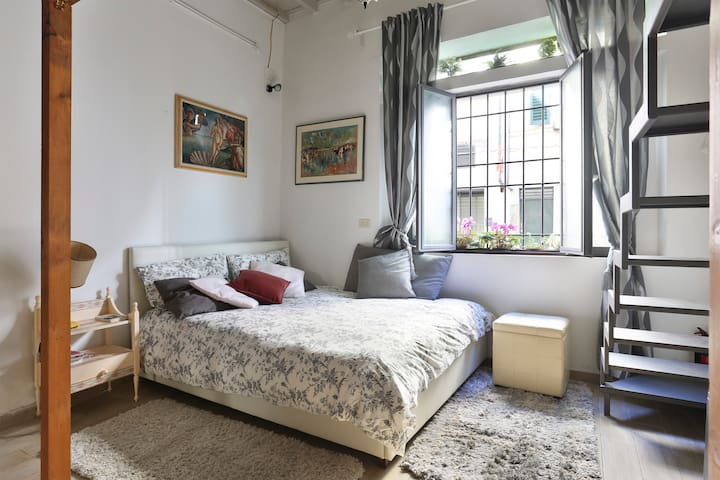 Valia San Frediano (cozy studio)