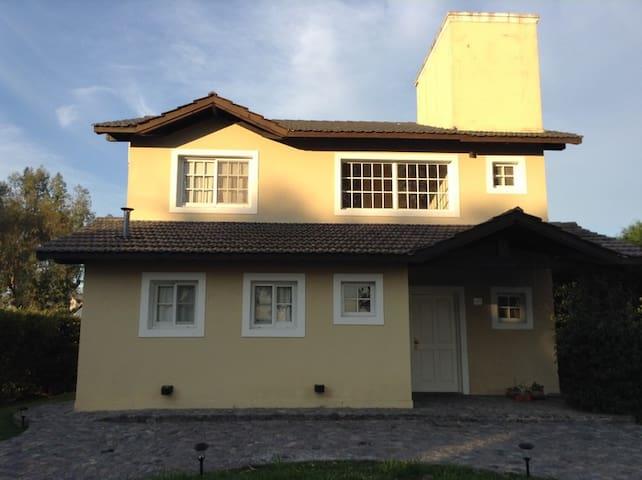 Casa en Country Club en  Campana - Buenos Aires - Buenos Aires - Ev