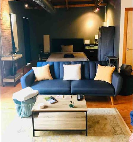 Hip / Urban / Industrial Loft - Noda Arts District