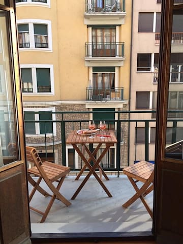 Cozy, modern 1-bedroom in central Geneva - Geneve - Huoneisto
