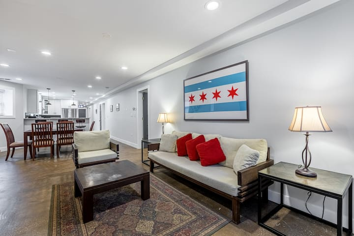 Magnificent 3BD in Chicago w/ Laundry
