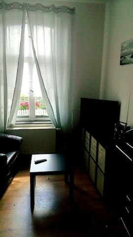 Einzelzimmer, Berlin vor der Tür - Hoppegarten - Hus