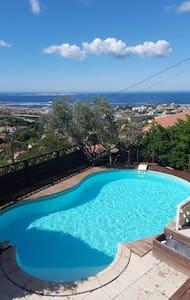 Panorama unique villa de charme - Marseille