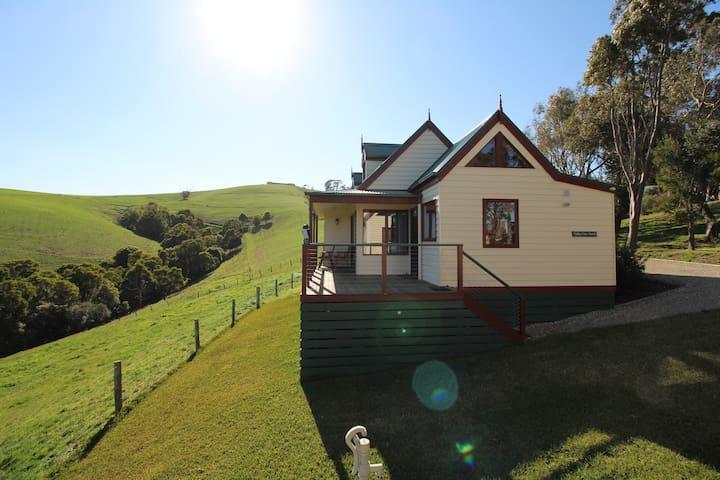 Loves Lane Cottages - Valley North Cottage