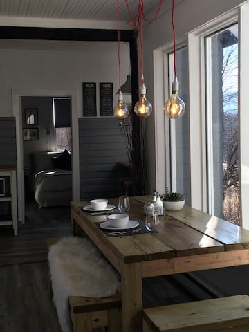 Newly Renovated Country Chalet