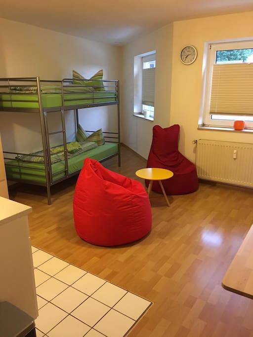 modern eingerichtete wohnung 25qm wohnungen zur miete in d ren nrw deutschland. Black Bedroom Furniture Sets. Home Design Ideas