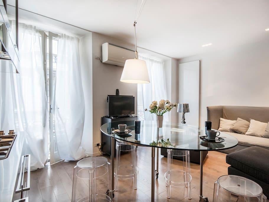 Moderno bilocale nel cuore di brera 81460 appartamenti for Brera appartamenti