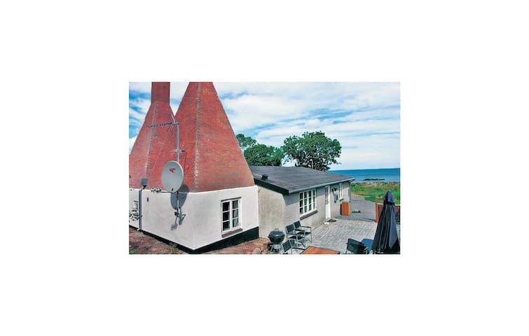 Holiday cottage with 3 bedrooms on 116m² in Svaneke