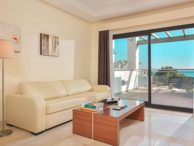 Frontbeach apartment in Costa del Sol
