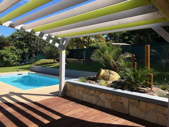 Villa de standing idéalement située