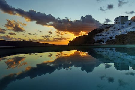 Nos apts in Oia studio for 2 - Oia - Bed & Breakfast