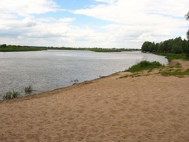 Dom na zjawiskowej wsi nad Rzeką pod Warszawą