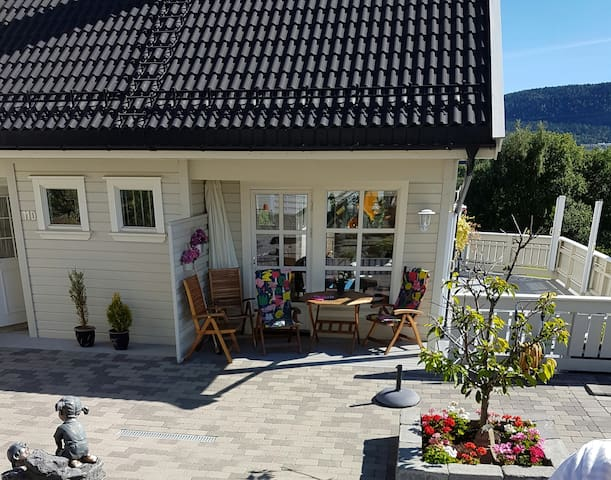 Cozy family house 20 min from Oslo city centre - Bærum - Huis