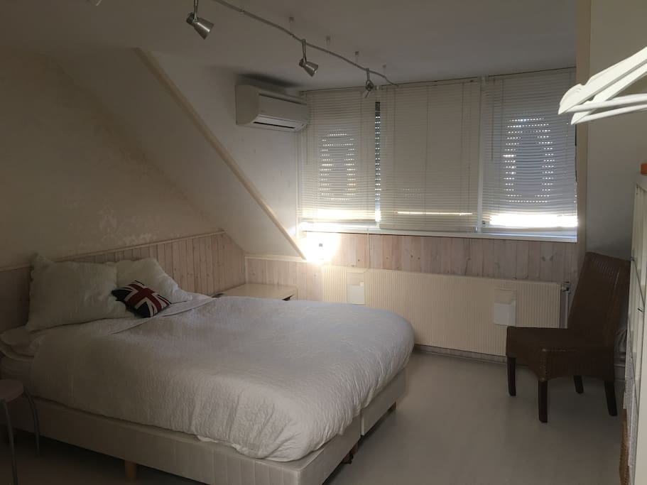 Double bed 1.40 meter with Airco