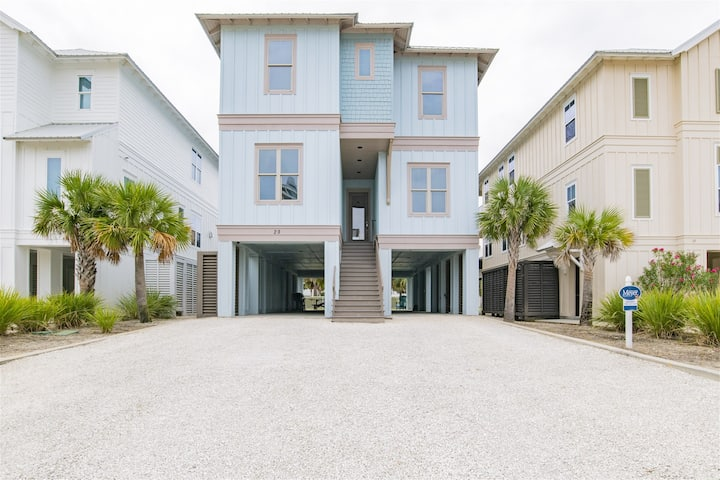Gorgeous 6/6.5 with Den - Sleeps 20 - Fabulous OB Beachfront Community