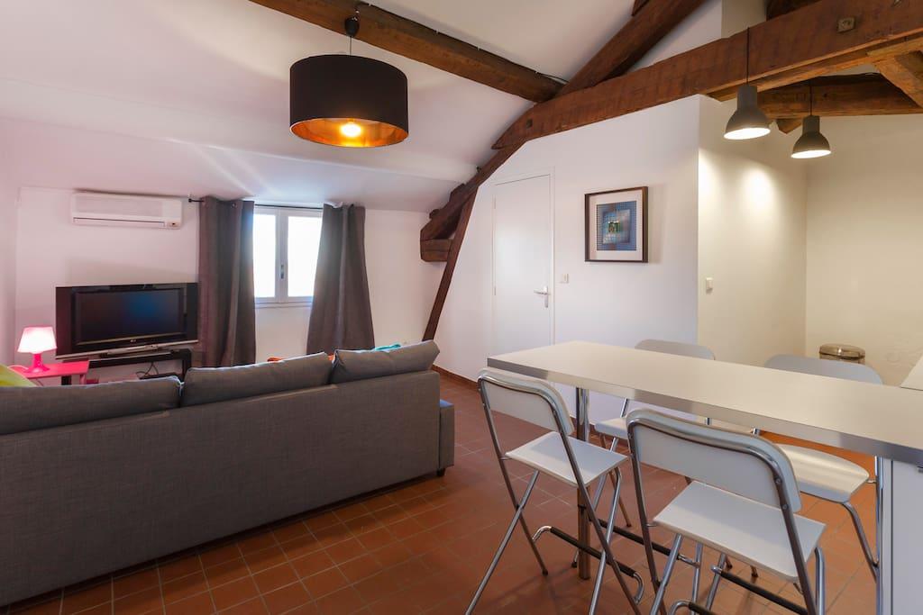 t 2 avignon centre historique appartements louer. Black Bedroom Furniture Sets. Home Design Ideas