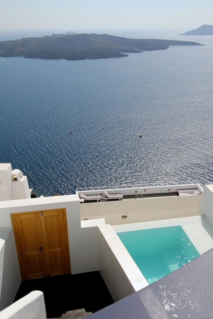 Grand 3 bedroom Villa with outdoor plunge pool