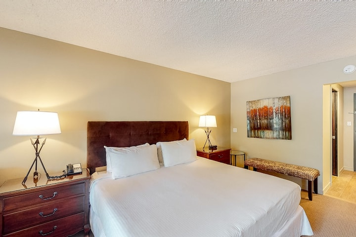 Ski-in/out, mountain view hotel room w/ WiFi & shared outdoor pool, gym, hot tub