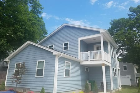 Rent a home! 3 bedroom 2 bath. - South Kingstown - Haus