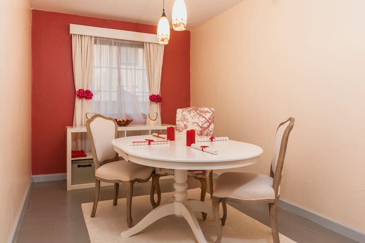 Bright,Secure,Cosy Haven Near Airport