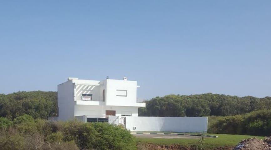 Villa 240m2+piscine privée avec vue mer/plage