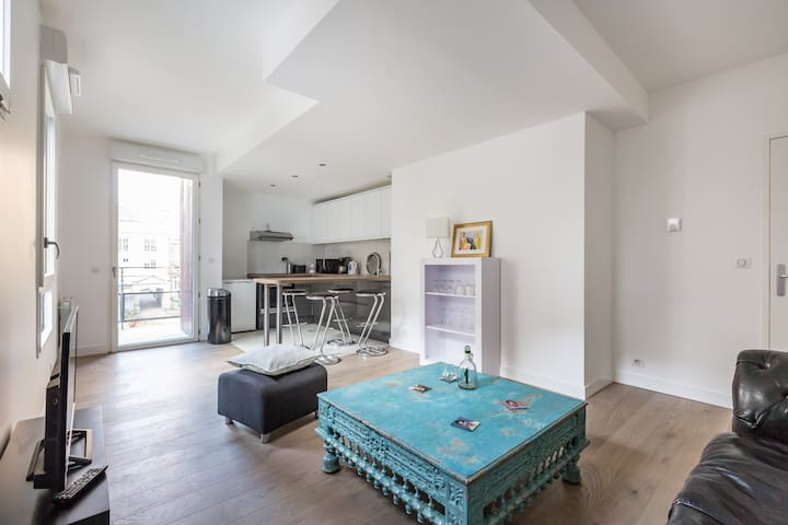 Modern and Charming 2 bedroom apartment - Parijs - Appartement