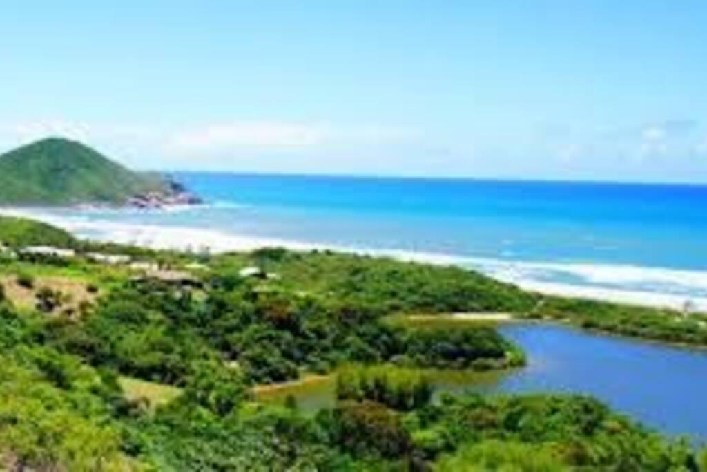 Praia do Rosa 17 min de carro